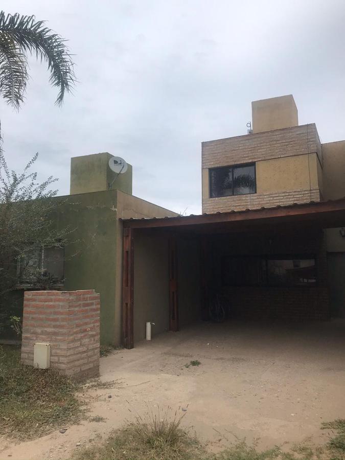 Foto Casa en Venta en  Teniente Benj.Matienzo,  Cordoba  Duplex Los nogales