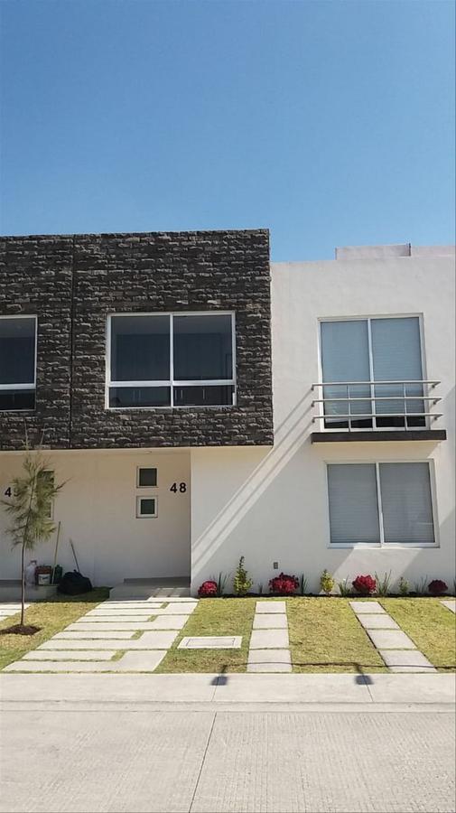 Foto Casa en condominio en Renta en  Santa María,  San Mateo Atenco  Santa María