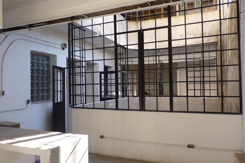 Foto Edificio Comercial en Venta en  San Telmo ,  Capital Federal  Defensa al 700