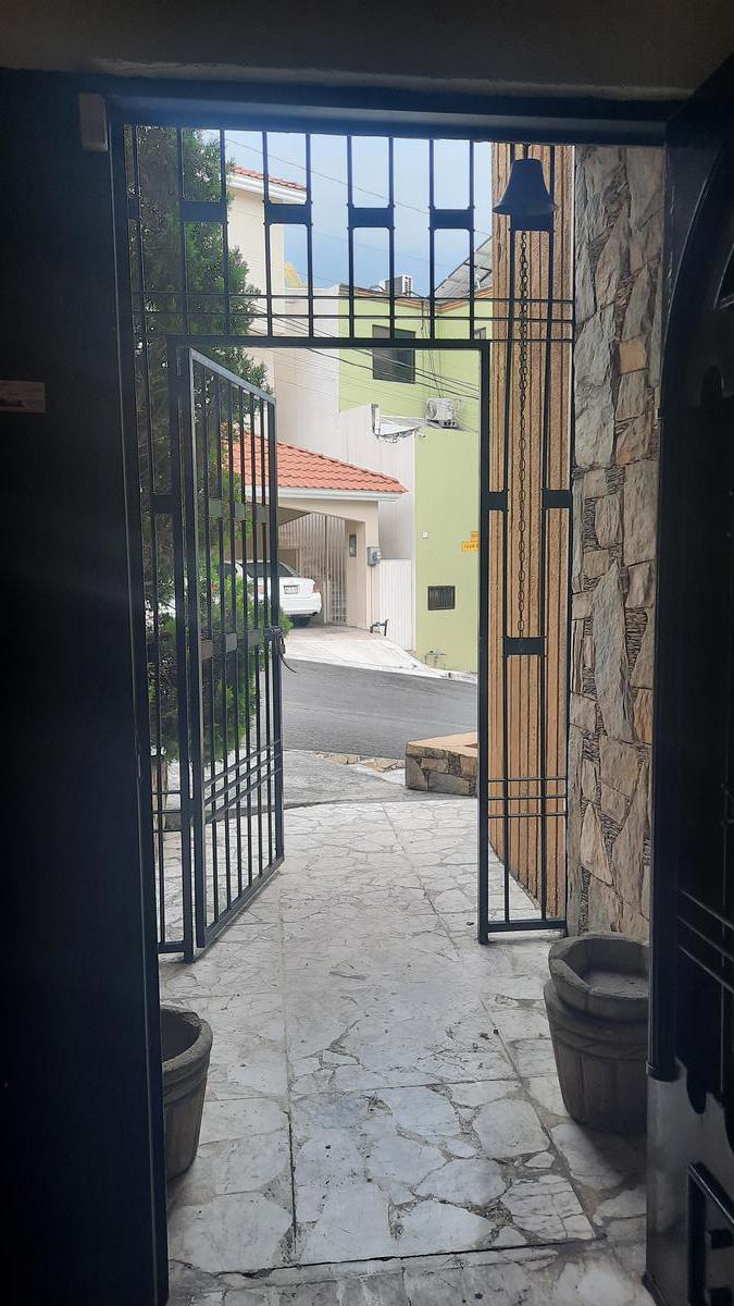 Foto Oficina en Renta en  Cumbres 5to Sector,  Monterrey  Cumbres 5o. Sector