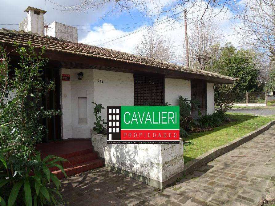 Foto Casa en Venta en  Adrogue,  Almirante Brown  ALSINA 795 ADROGUE