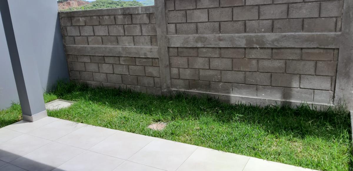 Foto Casa en Venta en  El Sauce,  Tegucigalpa  Acogedora Casa en Venta Residencial El Sauce, Tegucigalpa