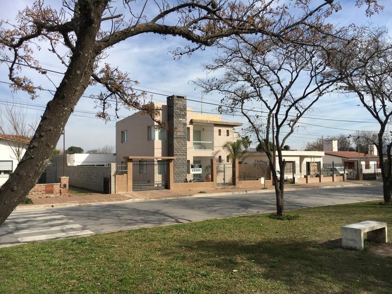Foto Casa en Venta en  Alta Gracia,  Santa Maria  Bº Caferatta - (frente a la Plaza del Hospital)