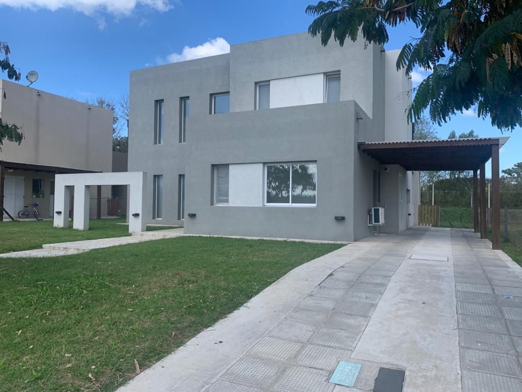 Foto Casa en Alquiler en  Acacias,  Puertos del Lago  CASA MODERNA BARRIO ACACIAS PUERTOS DEL LAGO