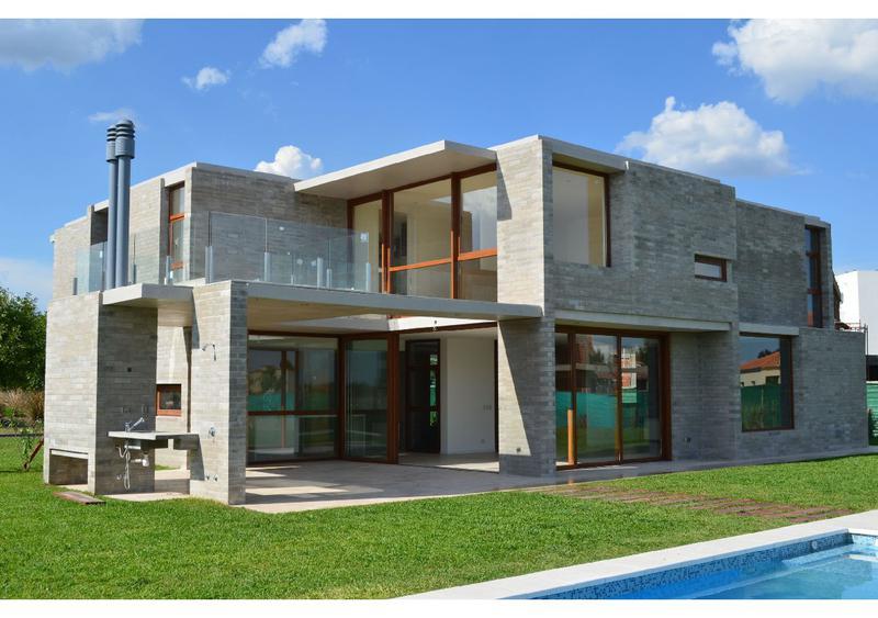 Foto Casa en Venta en  Terravista,  Countries/B.Cerrado (G. Rodriguez)  Colectora Acceso Norte Lote 449