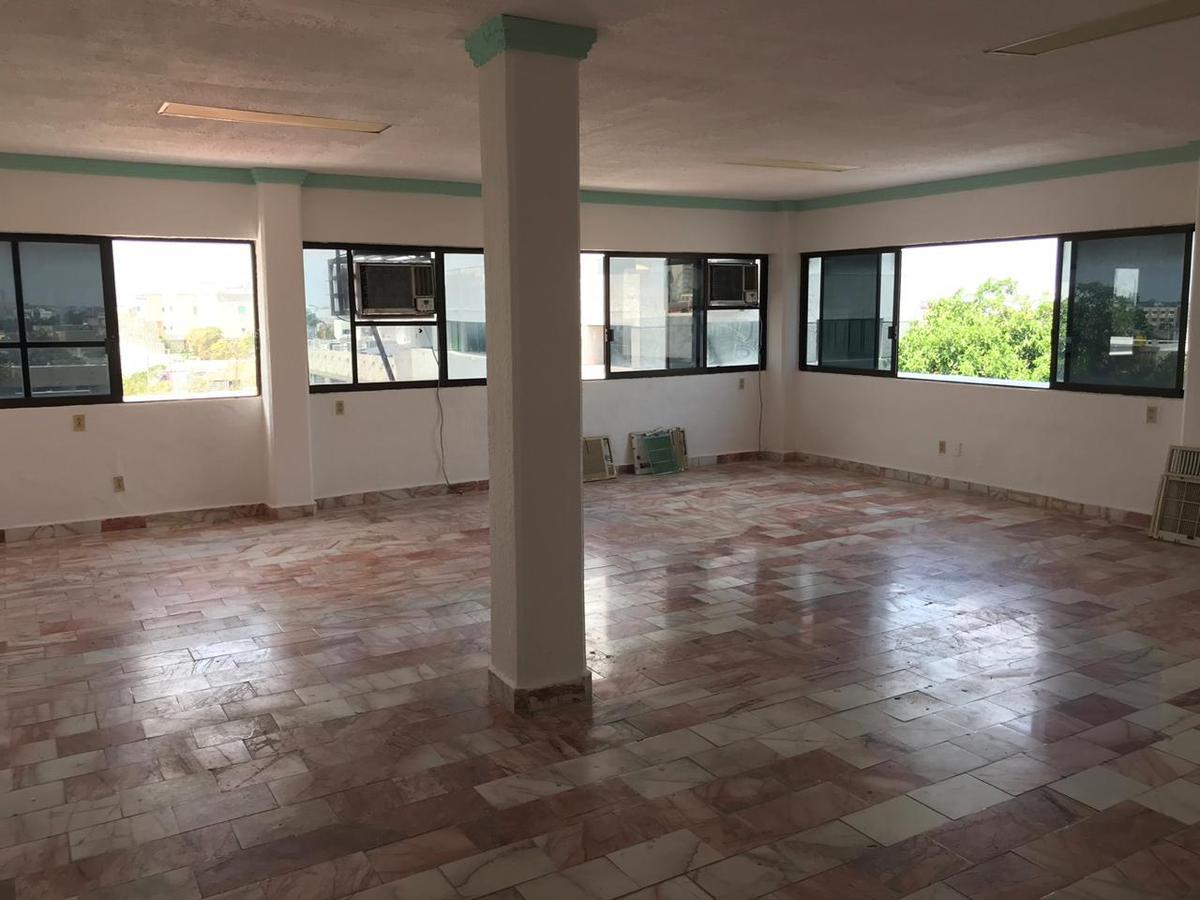Foto Oficina en Renta en  Supermanzana 2 Centro,  Cancún  Oficina en RENTA - Av. Nader Cancun