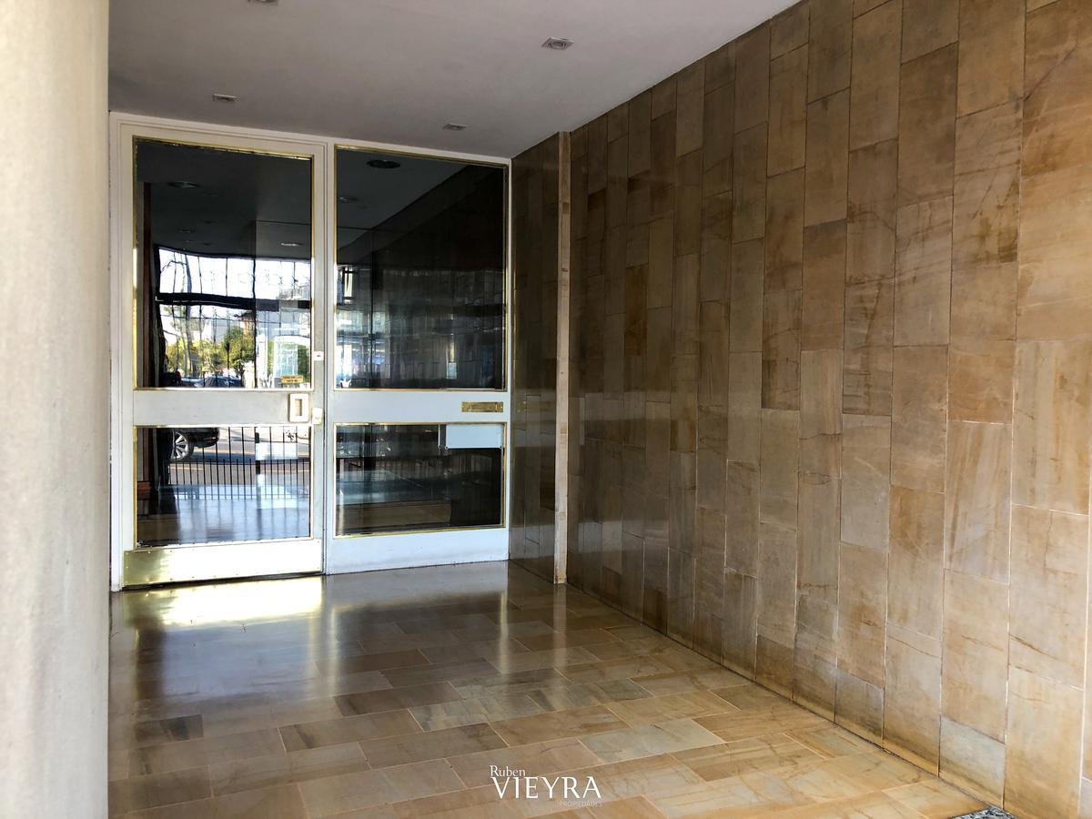 Foto Departamento en Alquiler en  Villa Devoto ,  Capital Federal  Av. Lope de Vega al 3400