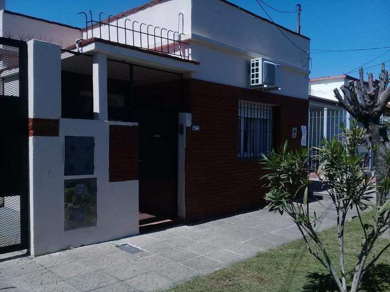 Foto Casa en Venta en  Lomas de Zamora Oeste,  Lomas De Zamora  Catamarca 566  Lomas de Zamora