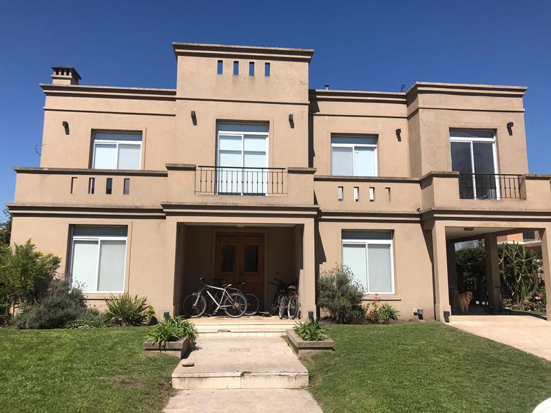 Foto Casa en Alquiler en  El Rocio,  Countries/B.Cerrado  Hermosa casa en el barrio El Rocío