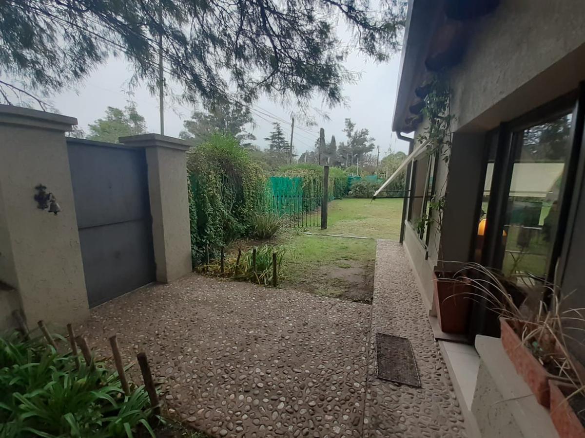 Foto Casa en Venta en  Villa Allende,  Cordoba Capital  Barrio La Cruz - Villa Allende