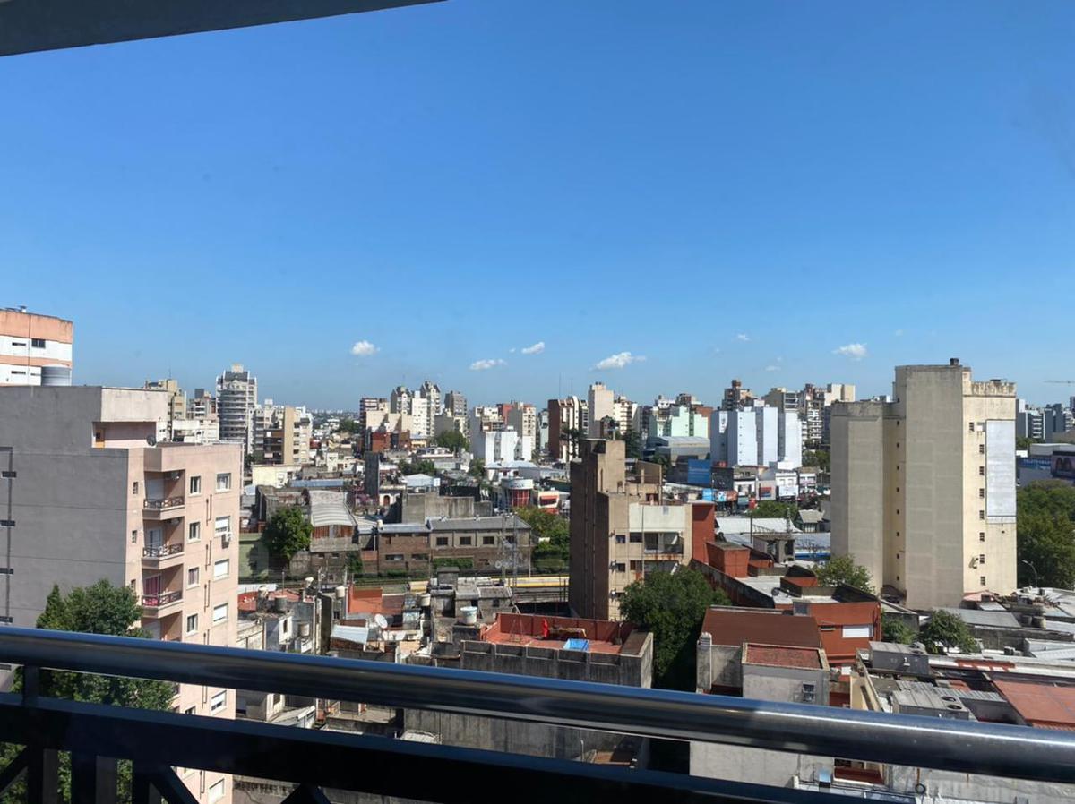 Foto Departamento en Venta en  Lanús ,  G.B.A. Zona Sur  ANATOLE FRANCE al 2000