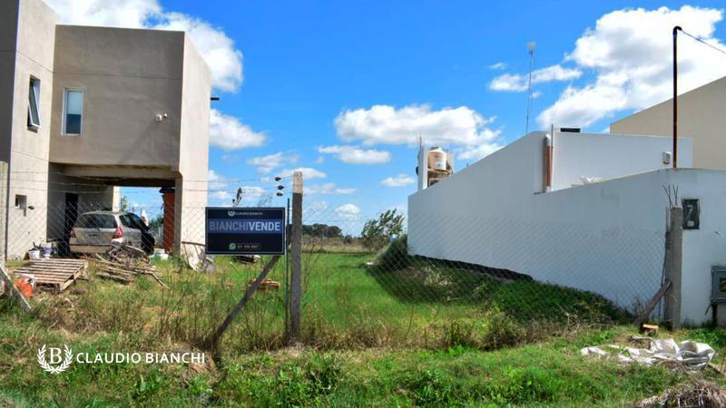 Foto Terreno en Venta en  Manuel B Gonnet,  La Plata  Calle 490 e3 y 4