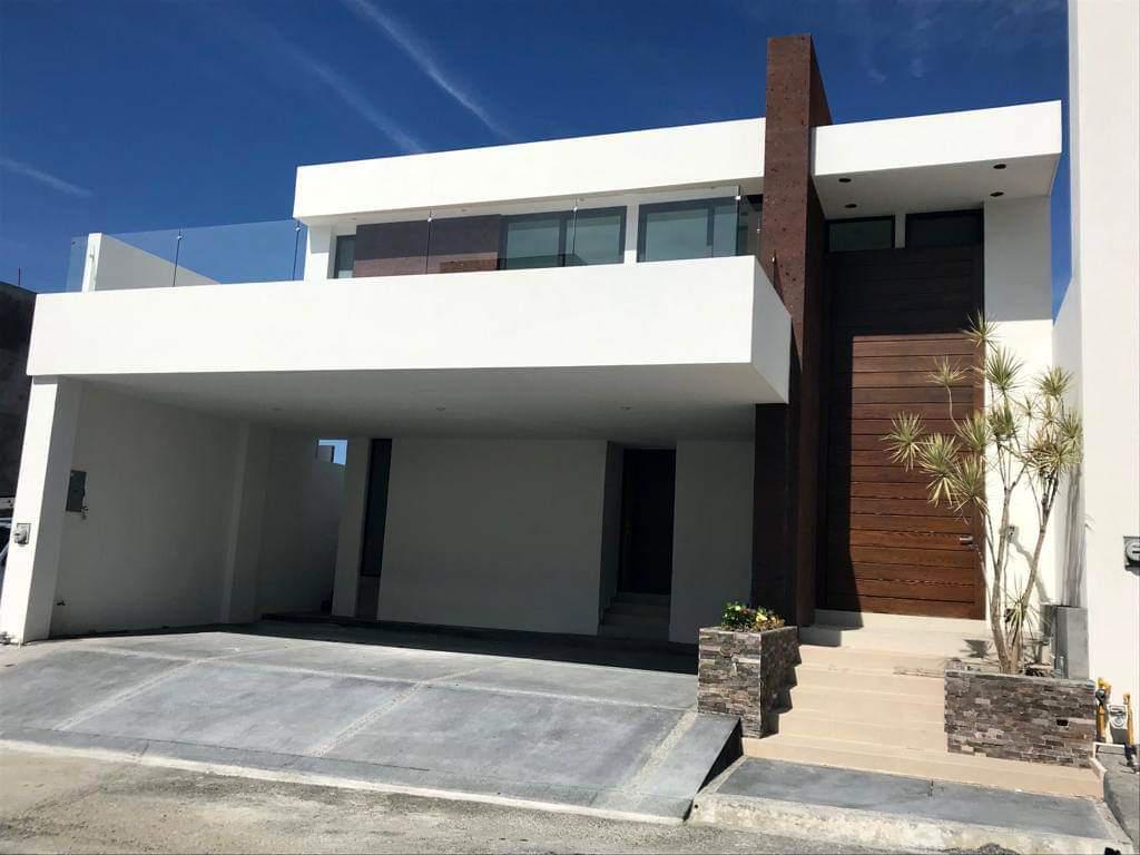 Foto Casa en Venta en  Monterrey ,  Nuevo León  Casa en venta en Laderas Abedul, fracc. Privado en Zona de Carretera Nacional.  (MVO)