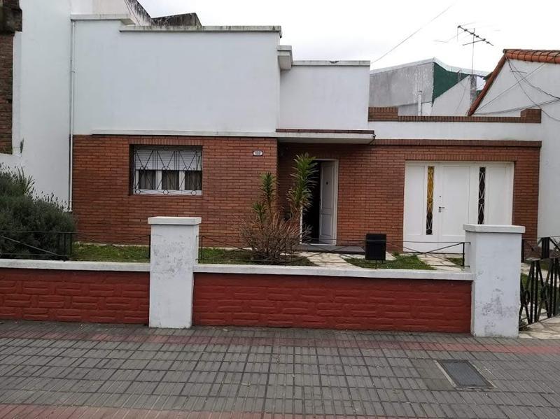 Foto Casa en Venta en  Temperley,  Lomas De Zamora  Pringles al 300