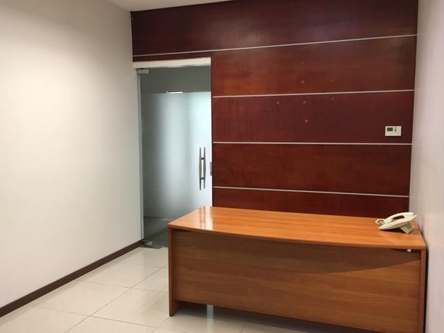 Foto Oficina en Renta en  Escazu,  Escazu  Escazú /Cómoda / Buena iluminación/ Seguridad