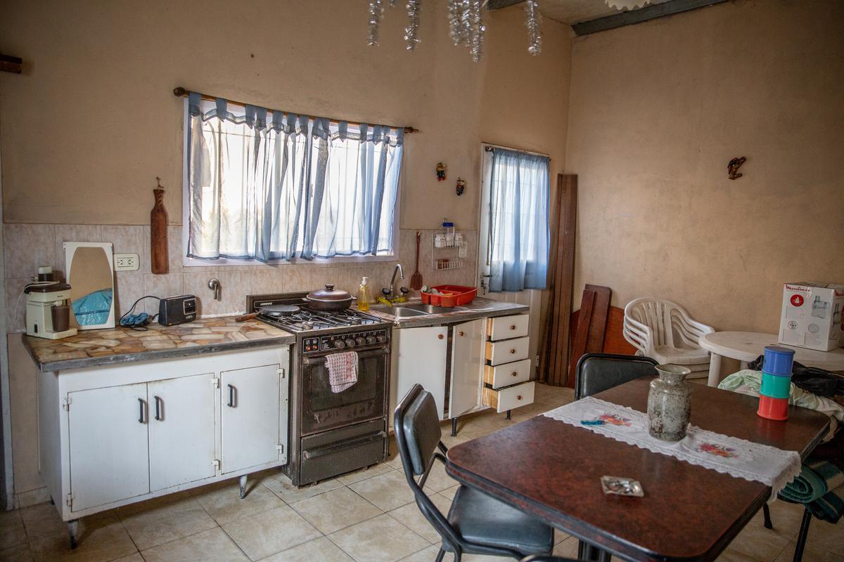 Foto Casa en Venta en  Junin ,  Interior Buenos Aires  Iwan 75