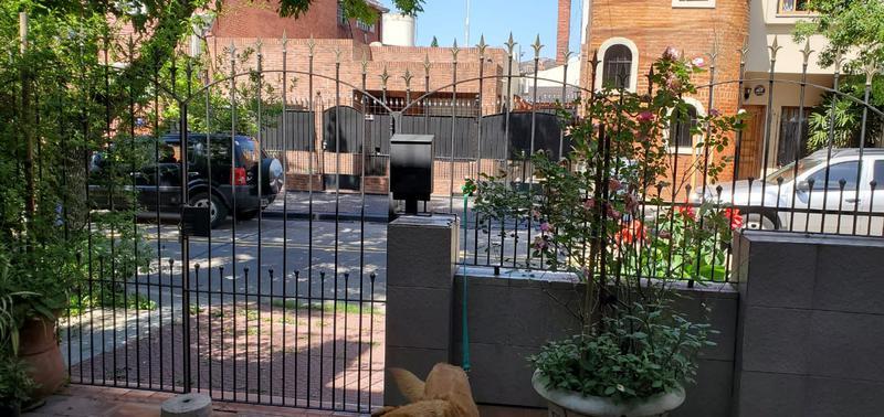 Foto PH en Venta en  B.Naon,  Liniers  Saladillo al 1700, barrio Naón, dúplex, 3 ambientes en 2 plantas, con cochera y terraza.