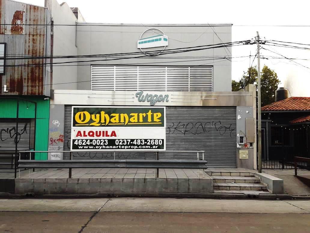 Foto Local en Alquiler en  Castelar,  Moron  SANTA ROSA entre MARQUEZ DE LORETO  y ARREDONDO