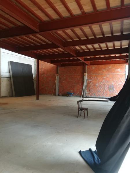 Foto Local en Alquiler en  Madame Lynch,  Santisima Trinidad  Avda. Aviadores del Chaco