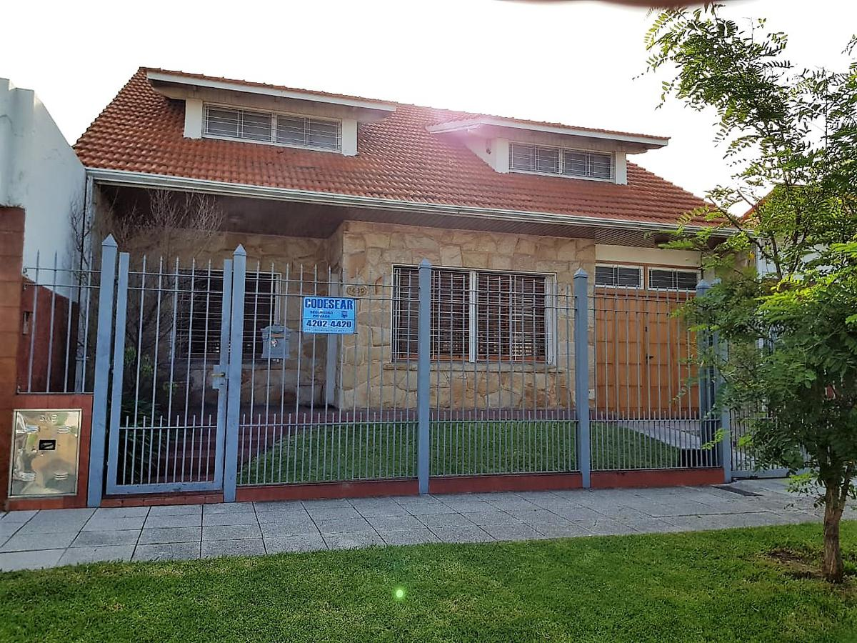 Foto Casa en Venta en  Quilmes Oeste,  Quilmes         Pedro Elustondo 1469 entre Pres. Juan Domingo Perón y Corrientes
