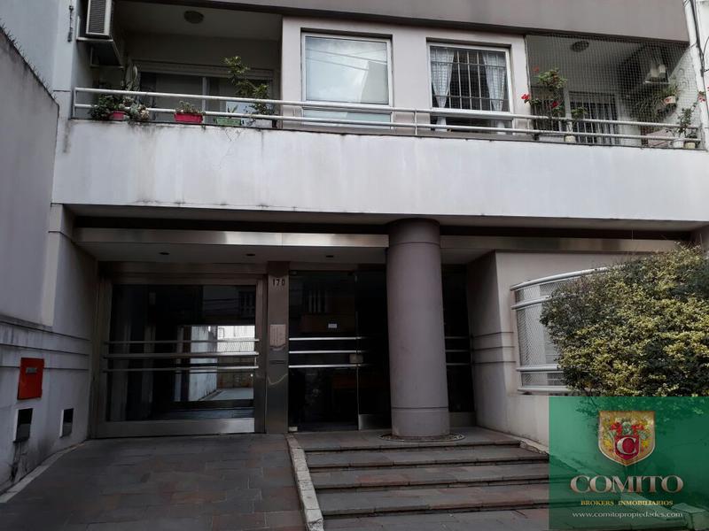 Foto Departamento en Alquiler en  Lomas De Zamora,  Lomas De Zamora  Sarmiento al 100