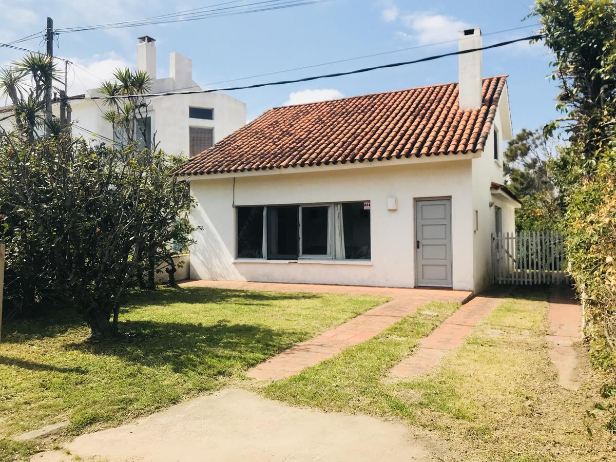Foto Casa en Venta en  La Barra ,  Maldonado  De La Ruta Al Mar