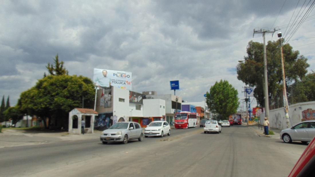 Foto Local en Renta en  Izcalli Cuauhtémoc,  Metepec  Espectacular, muy bien Ubicado, Av. Manuel J. Clouthier ,casi esquina las Torres