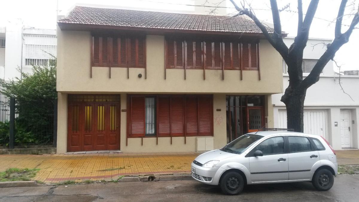 Foto Departamento en Alquiler en  La Plata,  La Plata  36 e/ 4 y 5