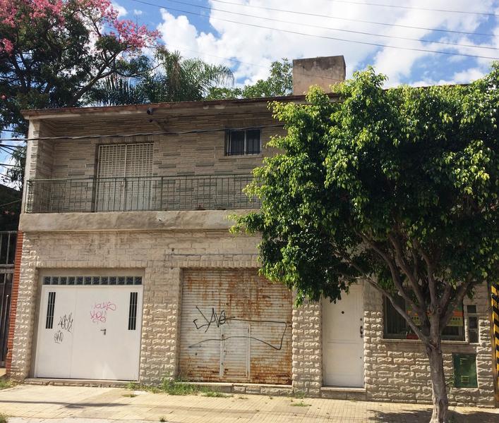 Foto Casa en Venta en  Temperley Este,  Temperley  Esmeralda al 500