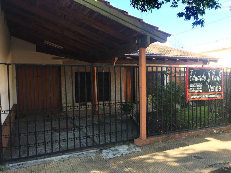 Foto Casa en Venta en  Castelar Norte,  Castelar  Sanchez Mendeville al 2300