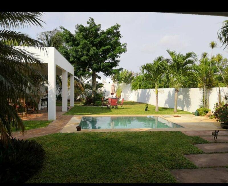 Foto Casa en Renta en  Fraccionamiento Montebello,  Mérida  En renta casa minimalista amueblada de 3 habs. en Montebello, al norte de Mérida, Yuc., Méx.