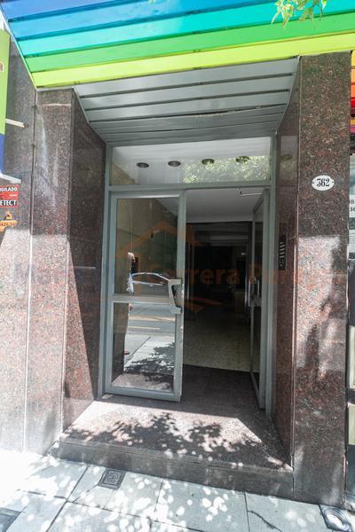 Foto Oficina en Alquiler en  Once ,  Capital Federal  Uriburu al 360
