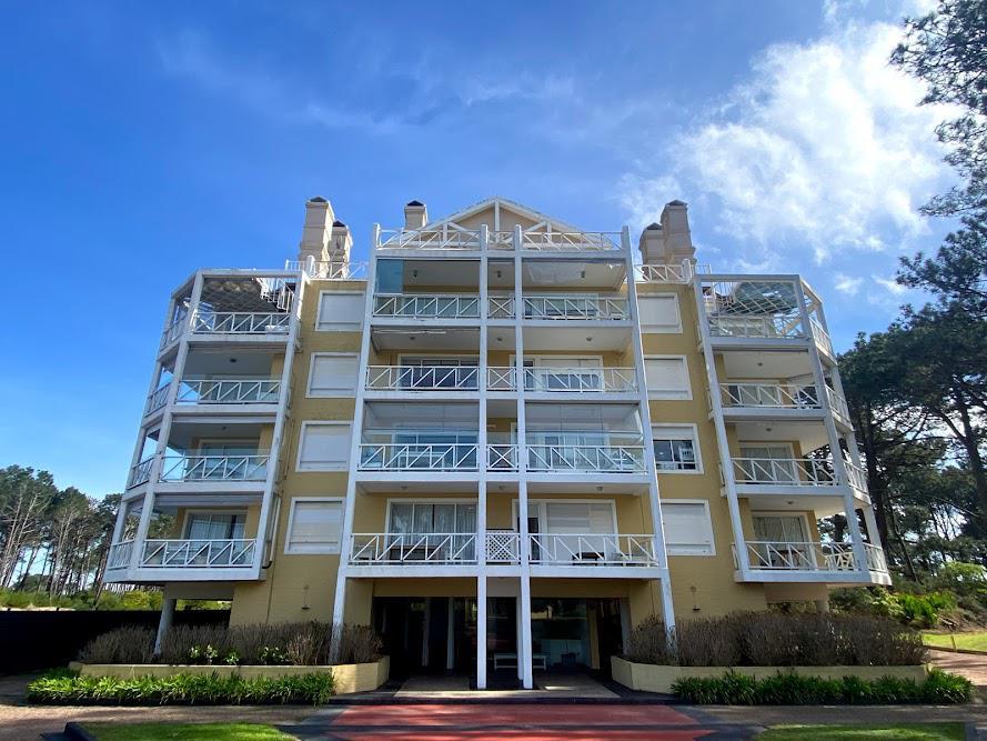 Foto Apartamento en Venta en  Playa Brava,  Punta del Este  Pinares de la Barra
