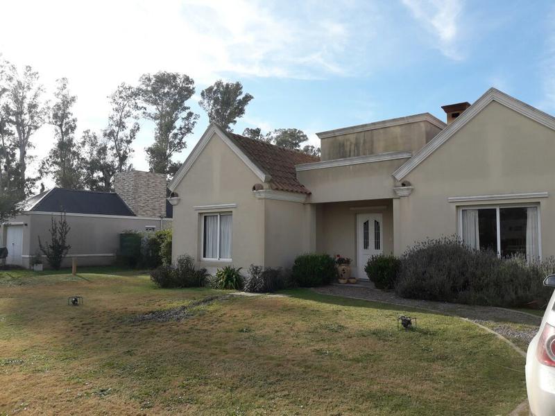 Foto Casa en Alquiler temporario en  Campos Daromy,  Countries/B.Cerrado (San Vicente)  Av.  Presidente Peron al 2.200 CAMPO DAROMY N°3