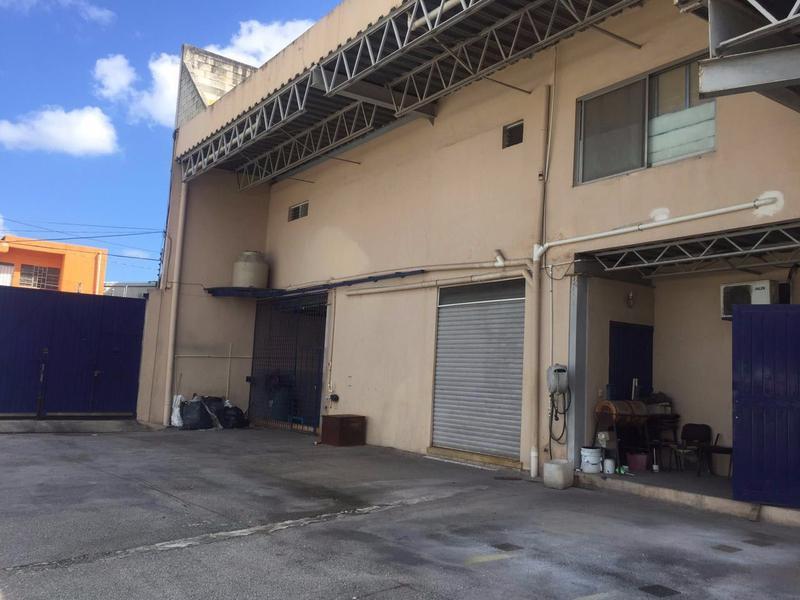 Foto Bodega Industrial en Renta en  Región 101,  Cancún   BODEGA EN VENTA/RENTA EN CANCUN AVENIDA LOPEZ PORTILLO