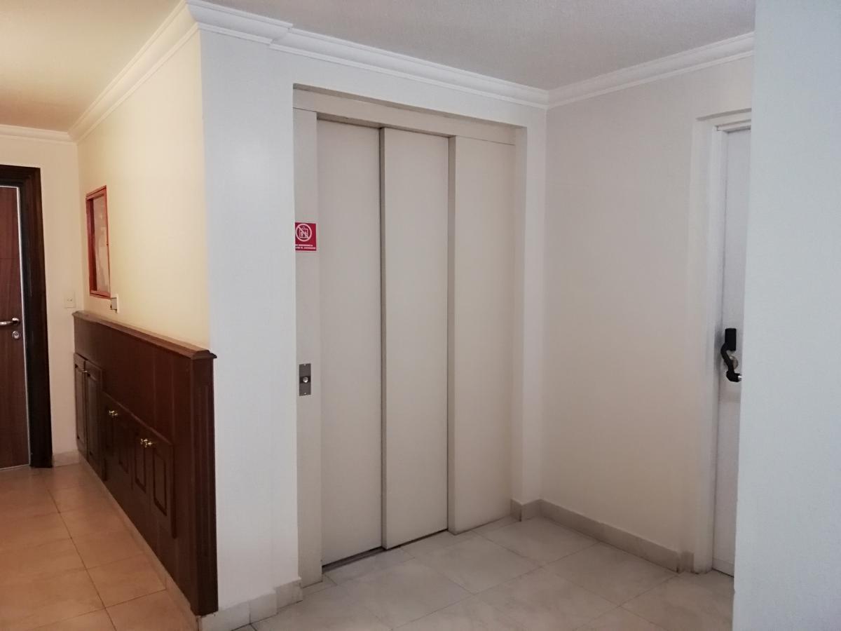 Foto Departamento en Alquiler en  Centro Norte,  Quito  Whymper y Coruna
