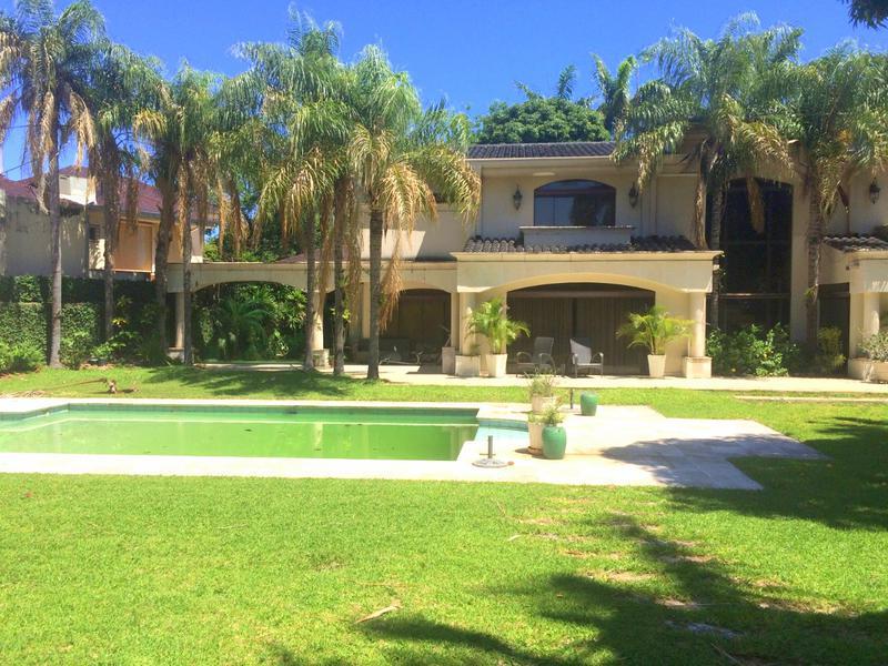 Foto Casa en Venta en  Mcal. Lopez,  San Roque  Zona El Dorado