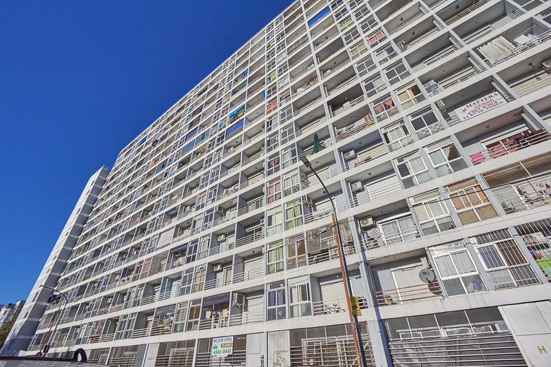 Foto Departamento en Venta en  Boca ,  Capital Federal  Pi y Margall y Av. Almirante Brown