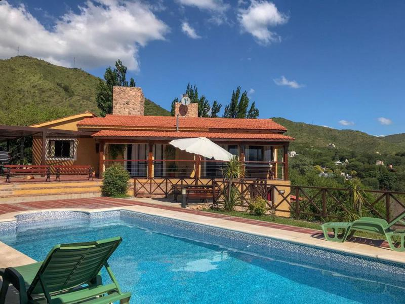 Foto Casa en Venta en  Bialet Masse,  Cordoba  Ushuaia esquina Tolhuin S / n