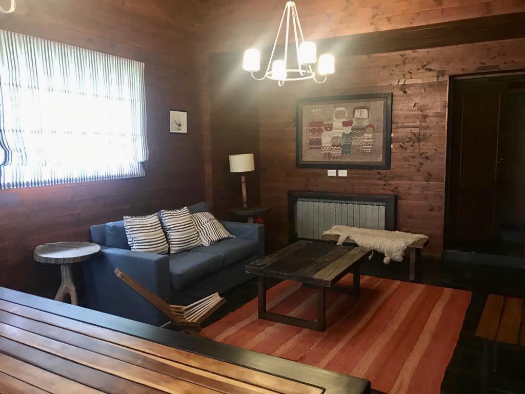 Foto Casa en Venta | Alquiler temporario en  Arelauquen,  Bariloche  Casa sobre cancha de golf Arelauquen