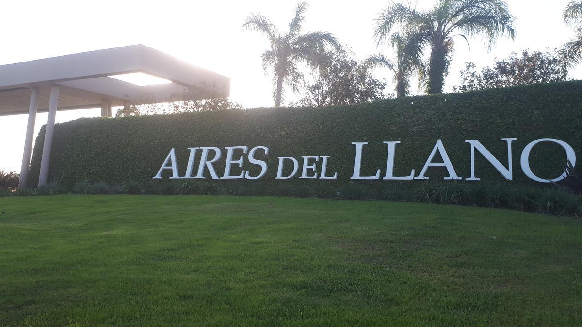 Foto Terreno en Venta |  en  Aires del Llano,  Santo Tome  Lote en Aires del Llano - B° los Boulevares o N° 3
