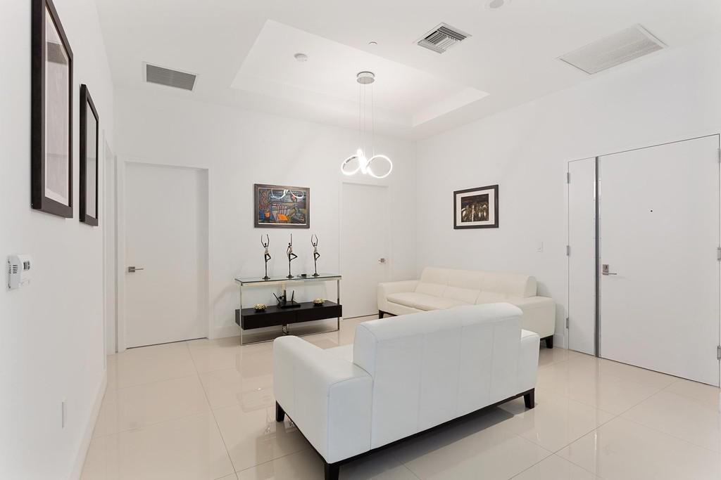Foto Departamento en Venta en  Brickell,  Miami-dade  45 SW 9th St Unit 4504, Brickell Heights,  Riverside, Miami, FL 33130