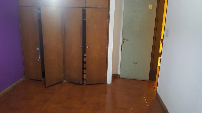 Foto Casa en Venta en  Adrogue,  Almirante Brown  RETIRO 198, esq. Soler