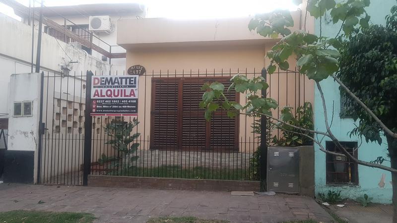 Foto Casa en Alquiler en  Moreno,  Moreno  Emilio Mitre al 2400