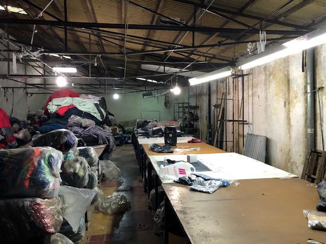 Foto Depósito en Venta en  Lomas De Zamora ,  G.B.A. Zona Sur  Azara al 100