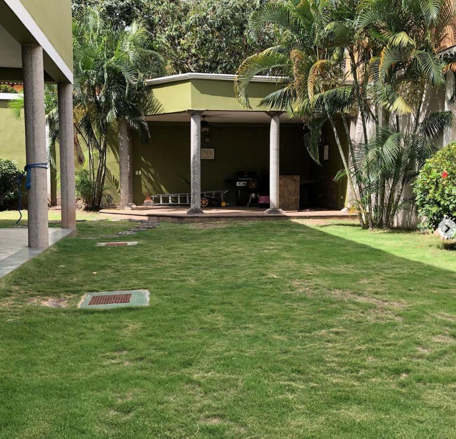 Foto Casa en Renta en  Tegucigalpa ,  Francisco Morazán  Casa Residencial en Lomas del Guijarro, Tegucigalpa