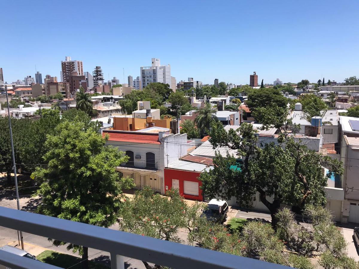 Foto Departamento en Venta en  Mariano Comas,  Santa Fe  Aritóbulo Del Valle y Domingo Silva