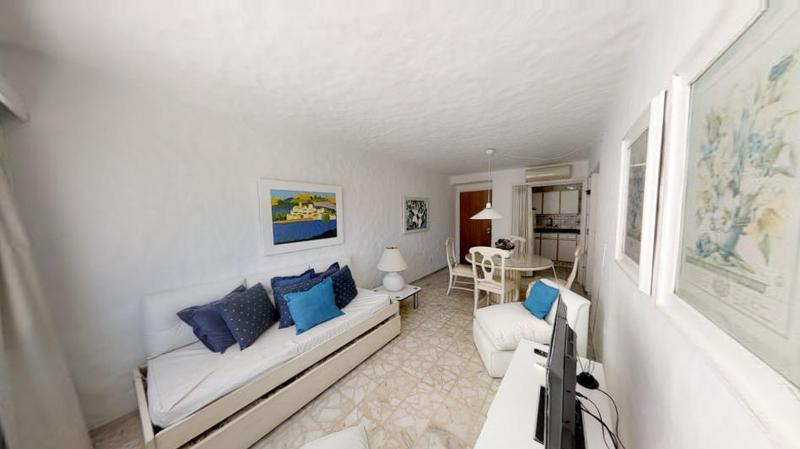 Foto Departamento en Venta en  Península,  Punta del Este  Apartamento en Venta de 1 dormitorio y medio sobre la Calle 20..