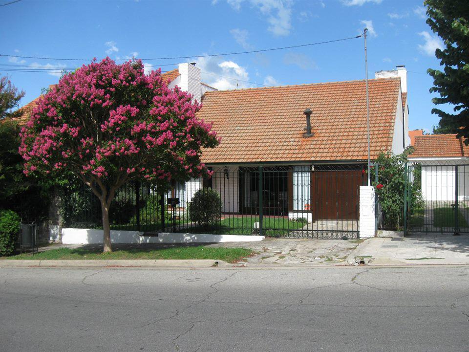 Foto Casa en Venta en  Divino Rostro,  Mar Del Plata  Olavarria al 3700