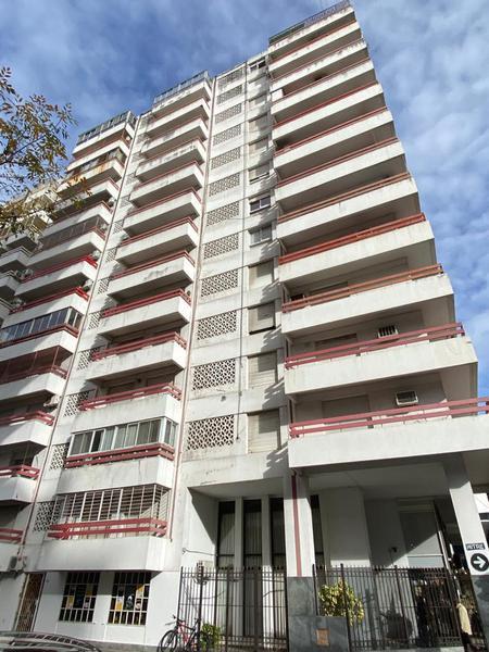 Av. Pellegrini 1200, Rosario, Santa Fe. Venta de Departamentos - Banchio Propiedades. Inmobiliaria en Rosario